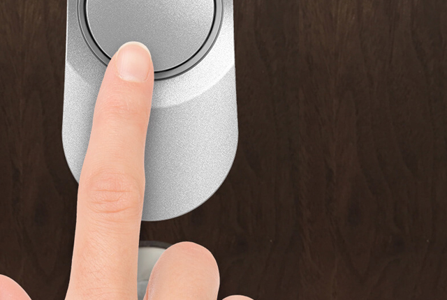 ボタンを押して施錠・施錠